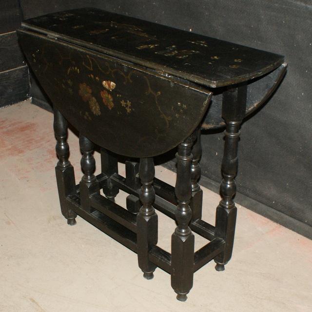 Chinoiserie Gateleg Table