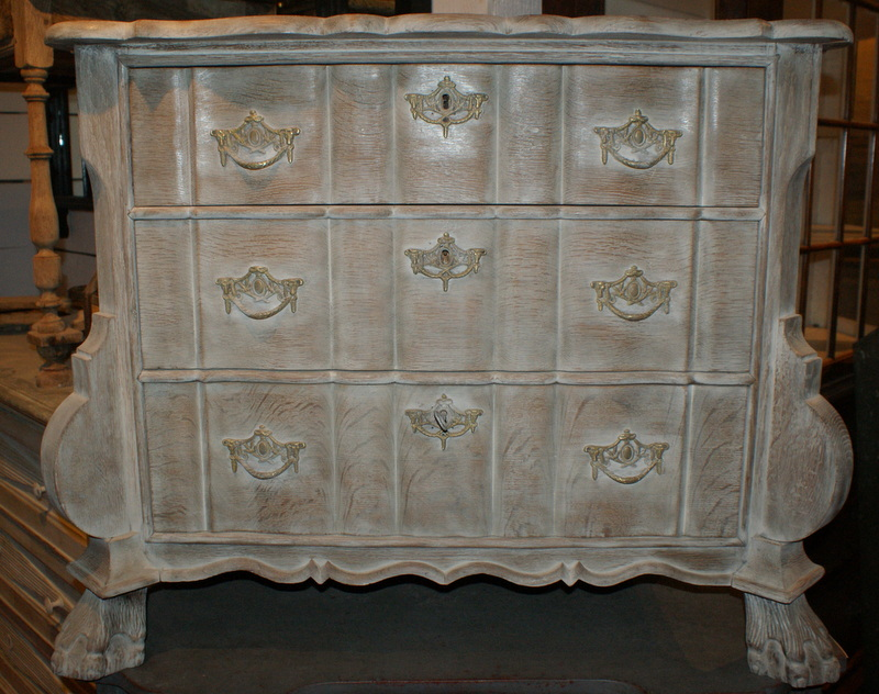 Dutch Bleached Commode