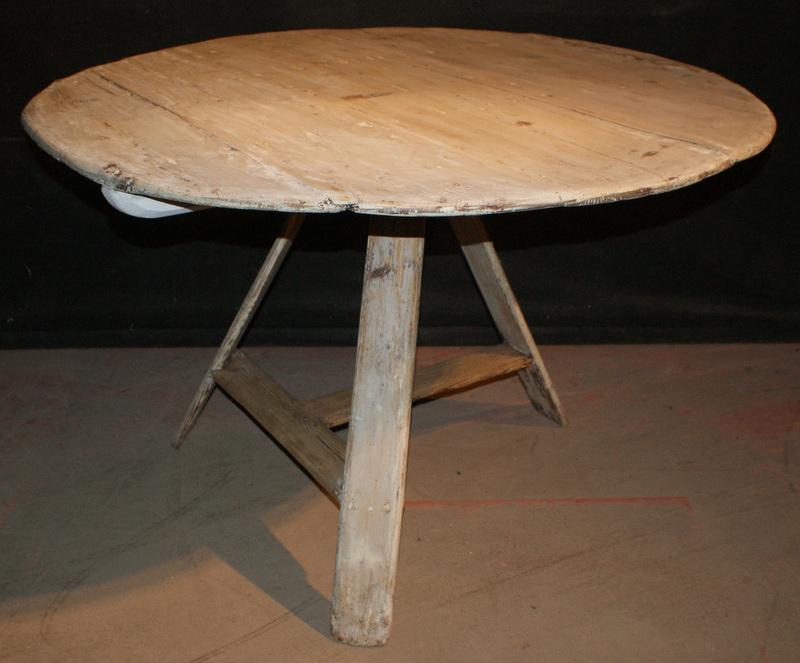 Tilt Top Breakfast Table