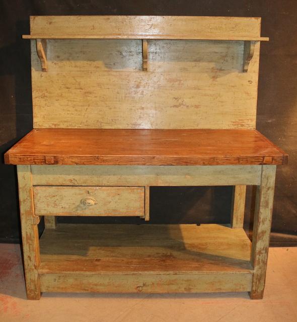 Server/Potting table