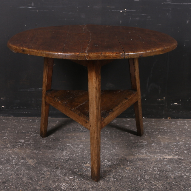 Pine and Elm Cricket Table