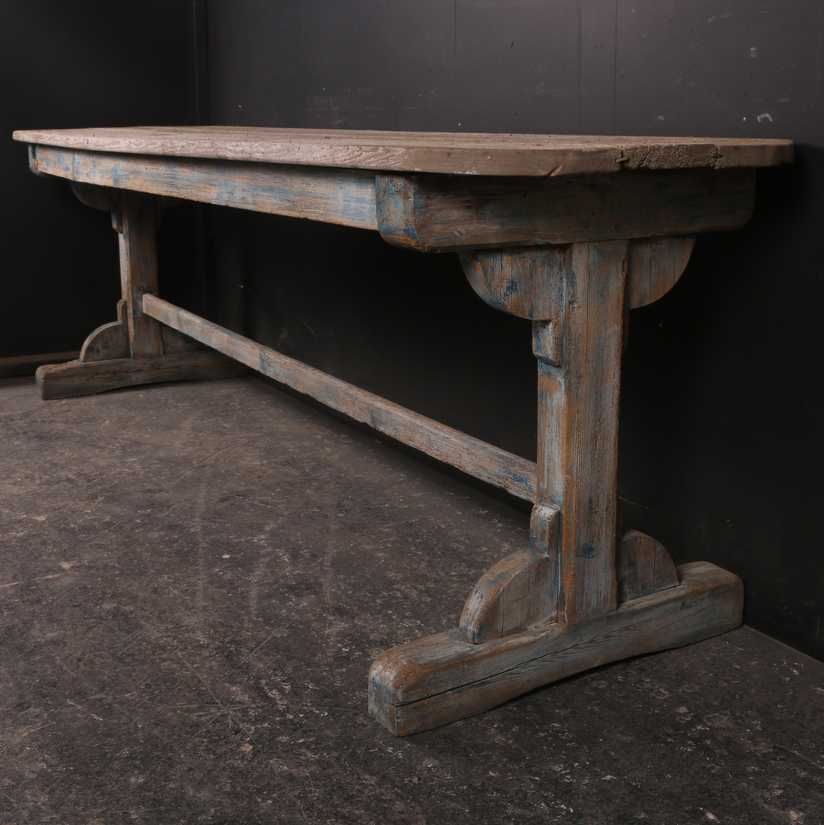 English Tavern Table