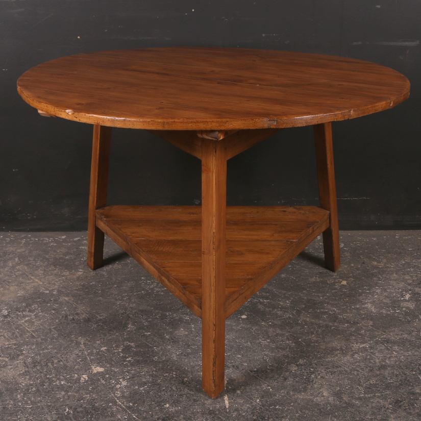 Welsh Pine Cricket Table