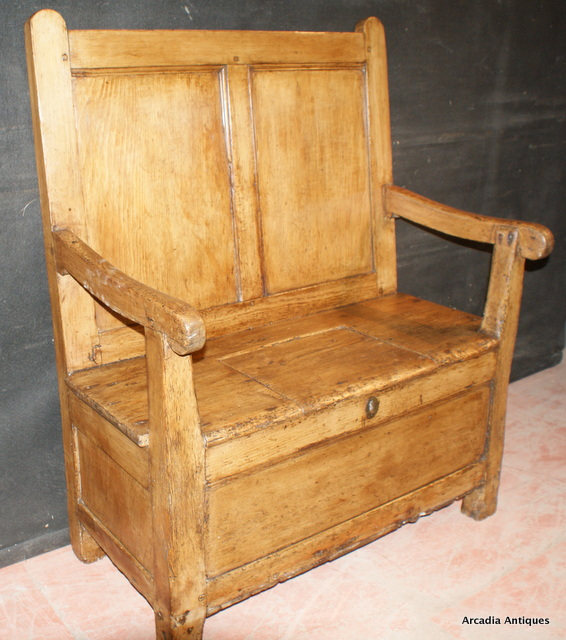 Wonderful Welsh Box Settle
