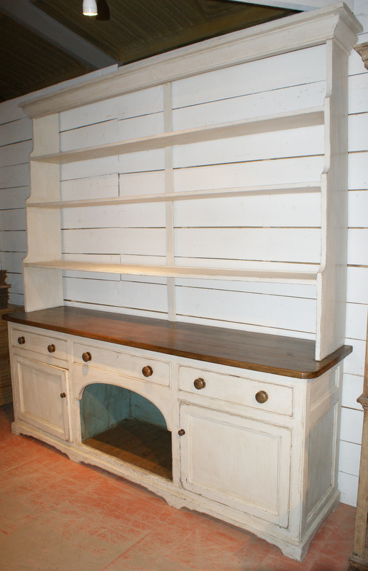 Dog Kennel Dresser