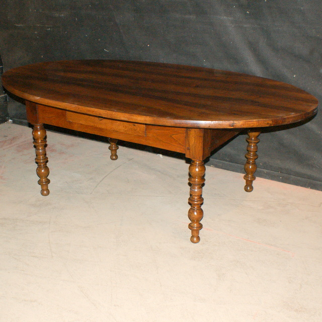 French Oval Coffee Table: Antique COFFEE TABLES