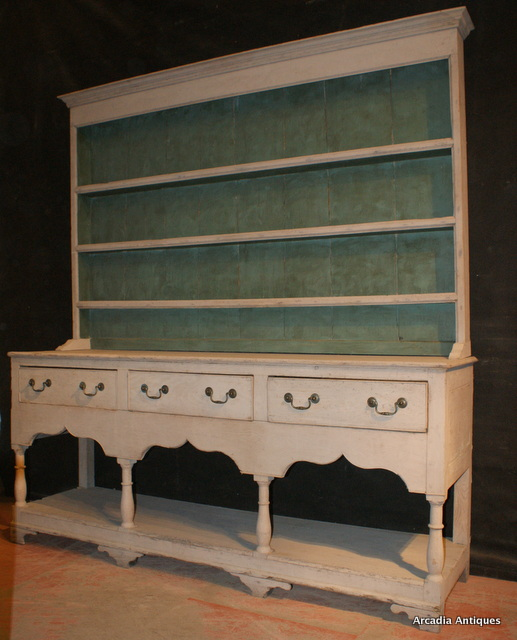 Wonderful Early Dresser