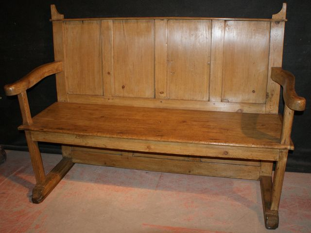 Antique Farmhouse Settle
