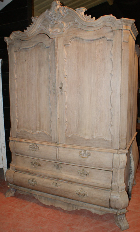 Dutch Bleached Linen Press