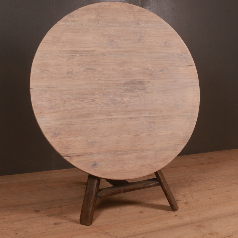 Dutch Tilt Top Cricket Table