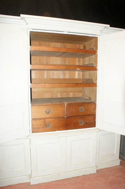 Wonderful Breakfront Linen Cupboard