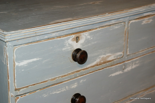 Bracket Foot Chest of Drawers
