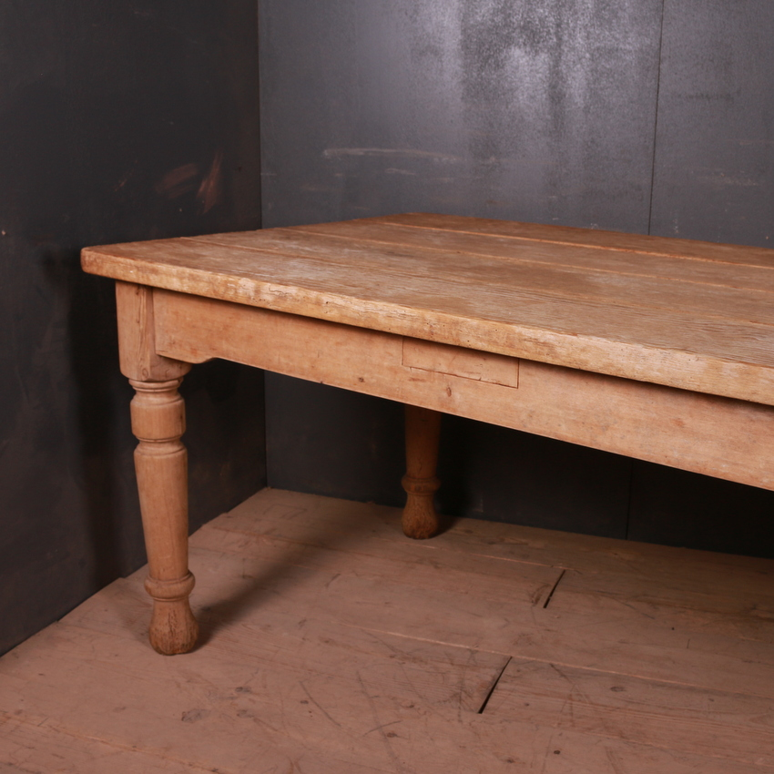 Country House Kitchen Table