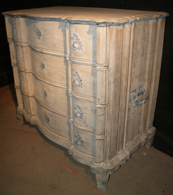 Serpetine Oak Commode