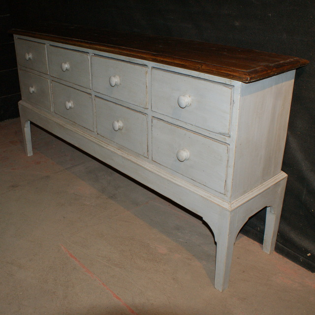 Bank of 8 Drawers