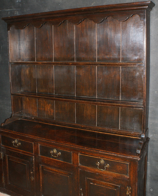 Oak Cottage Dresser