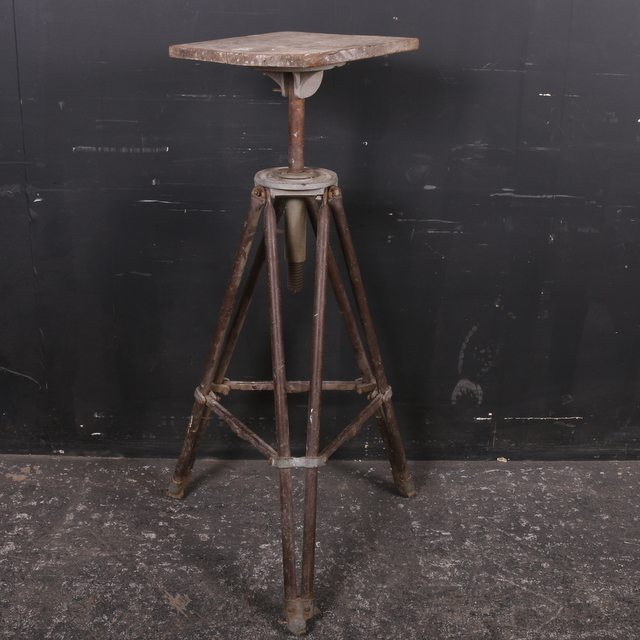 Metal and Wood Sculptor Stand