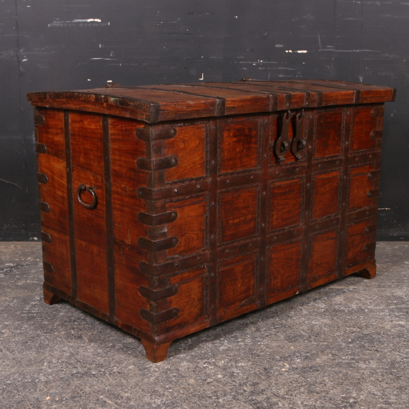 Anglo-Indian Coffer