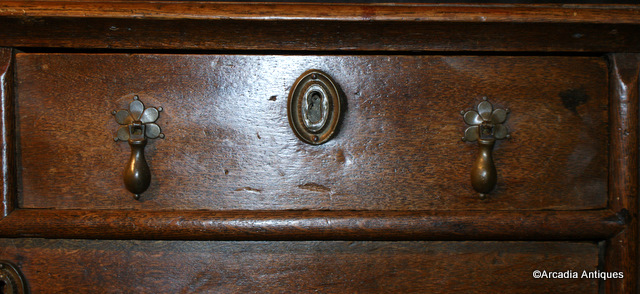 18th C Oak Chest of Drawers