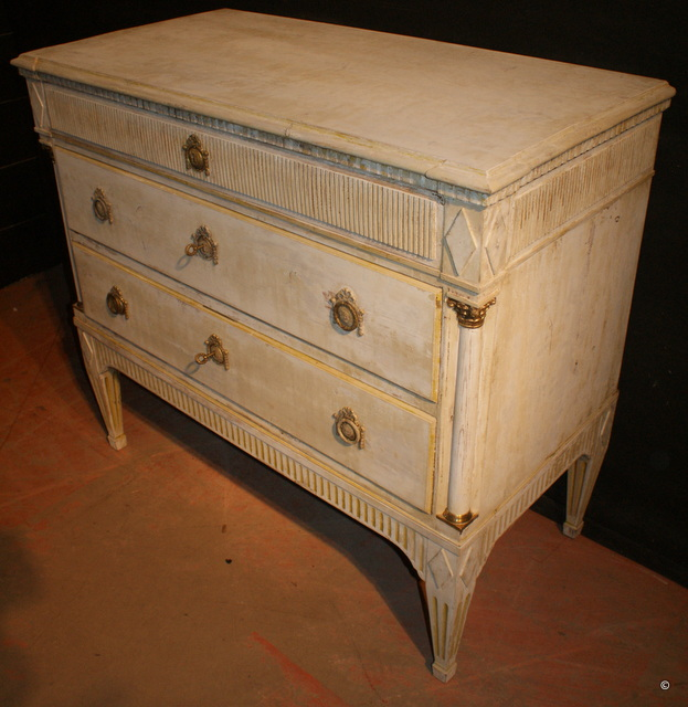 Swedish Commode