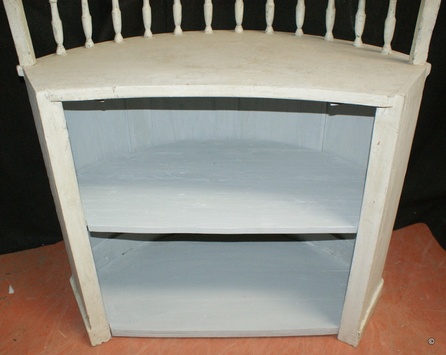 French Bowed Counter